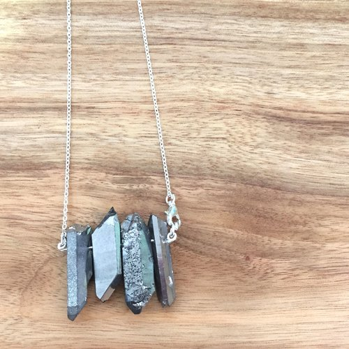 Wood Tansy - Metal wind ore white crystal silver quartz stone long chain