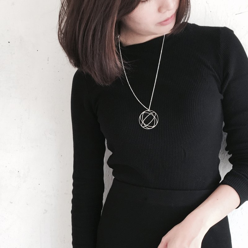Sphere Illusion necklace / Illusion collection