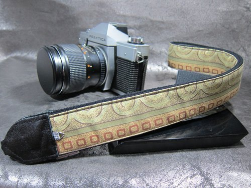 """ ancient Exodus "" decompression strap camera strap 乌克丽丽吉 his push bike Camera Strap"
