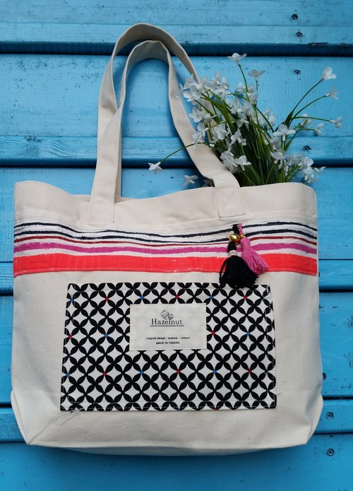 Nordic style Brilliant pink, geometric pattern small tassel bag / handbag / shoulder bag / cotton canvas / handmade