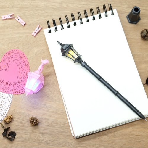 Gentlemen and ladies ♥ ♥ microbial series - warm wall sconce magnet clip (Princess Pink) + mini classic streetlight pen (black fashion)