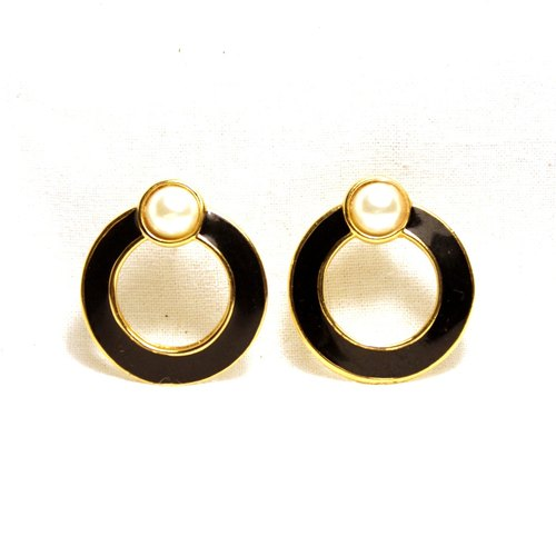 Vintage black circular ear pin earrings Phnom Penh