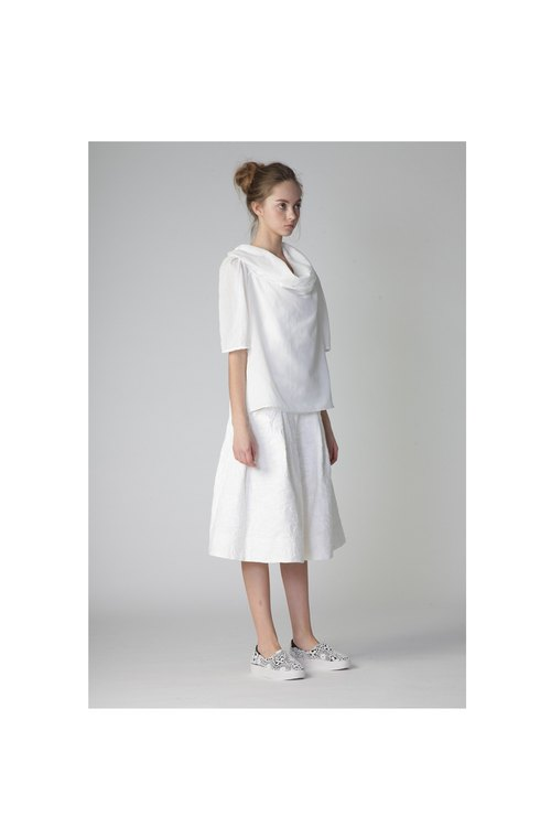 1501B4613 (elegant high-necked white shirt)