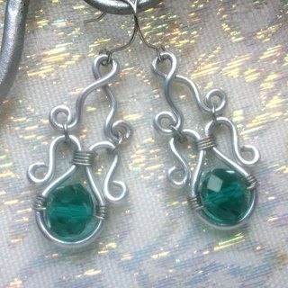 Wire Dance earrings - Cho female green note