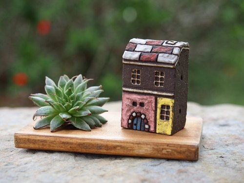 Candlestick Candle] [small house - painted red and white brick house fairy Thao roof / with handmade wooden candlesticks +1 small candle / 3 1 Group