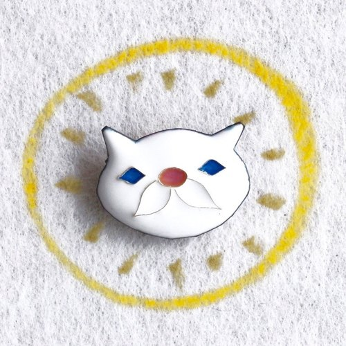 "Brooch --- ▲ MEDO ▼ ""the name of the cat named Kippi"""