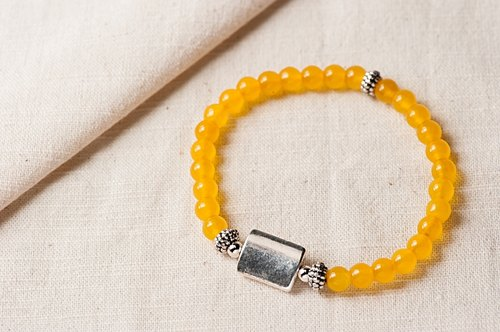 [Woody's Handmade] strong. Yellow agate bracelets, a paragraph