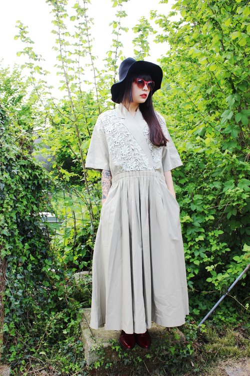 F929 (Vintage) khaki front lace skirt short sleeve double pocket big wave vintage dress