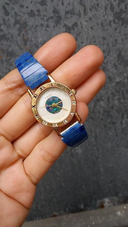 [Lost and find] antique blue and white mother of pearl natural stone Shek Po Watches