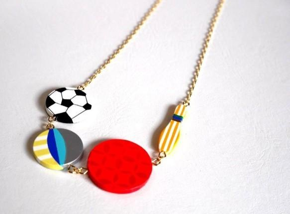 Ball game necklace