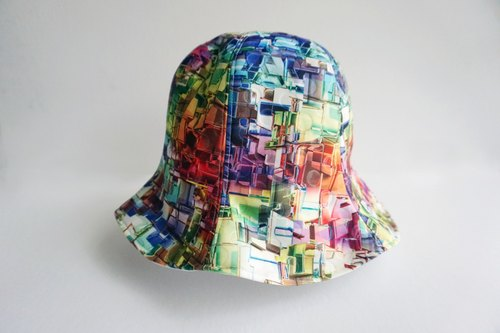 Rainbow Tree hat <neutral - sided>