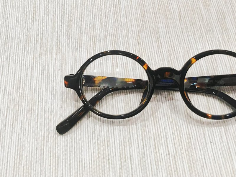 Amber Color Oval round Shape eyeglasses frame eyewear Handmade in Japan