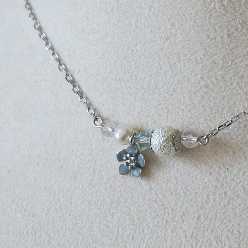{KNL0090} corrugated silver pearl brier clavicle chain (Blue Rose)