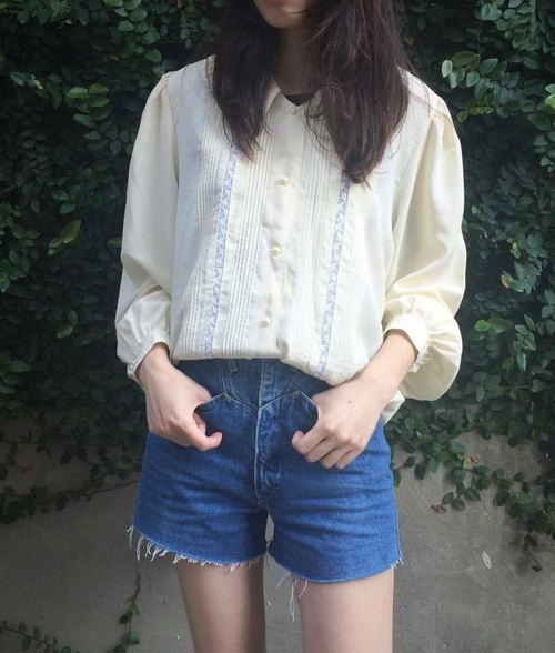 VINTAGE beige flower long shirt