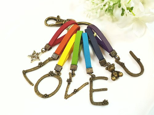 Paris * Le Bonheun. Happiness hand made. Retro rainbow. LOVE U. English words Qi leather key ring. Exchange gifts