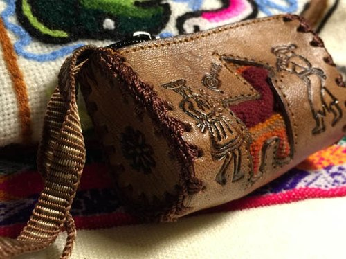 Peru-dimensional weaving stitching small leather purse - leather imprinted Totem (alpaca)