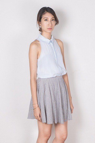 Playful striped skirt (gray thick strips)