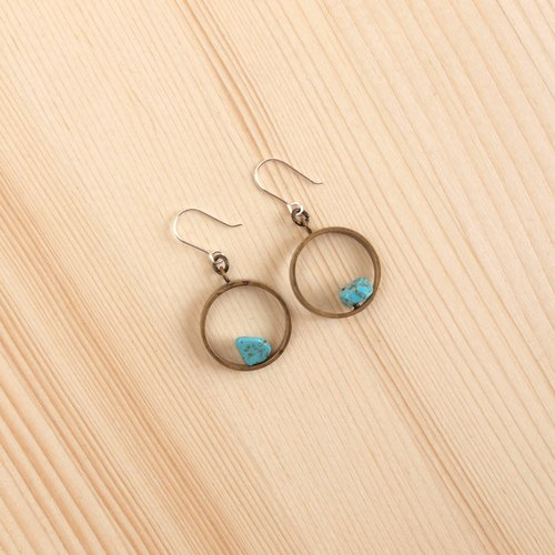 Round - asymmetric stone earrings (turquoise)