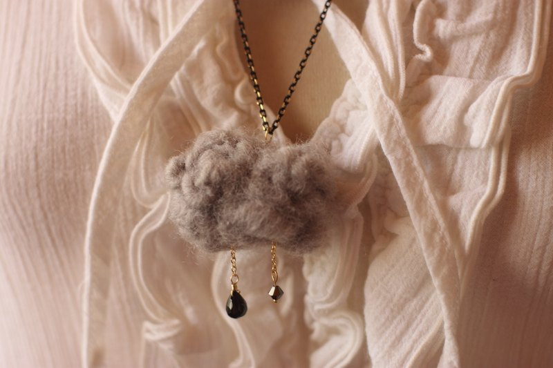 Raindrops necklace black clouds natural vegetable dyes wool black ink tree agate, Swarovski Crystal currently has in stock, can be directly subscript