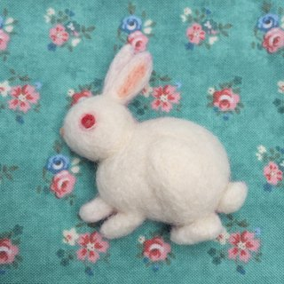 White Rabbit - Handmade wool felt brooch