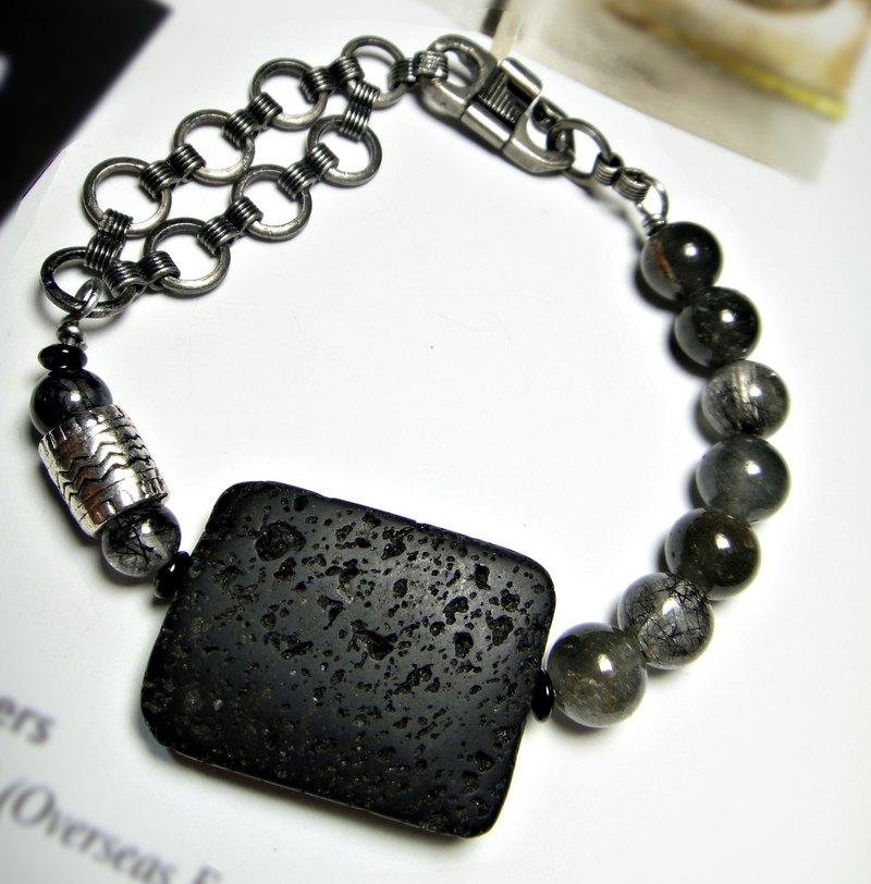 cd5b99f4d8665 Bracelet ◎ [paragraph] black meteorite unique crystal x x Black asymmetric  ancient silver chain bracelet Mens