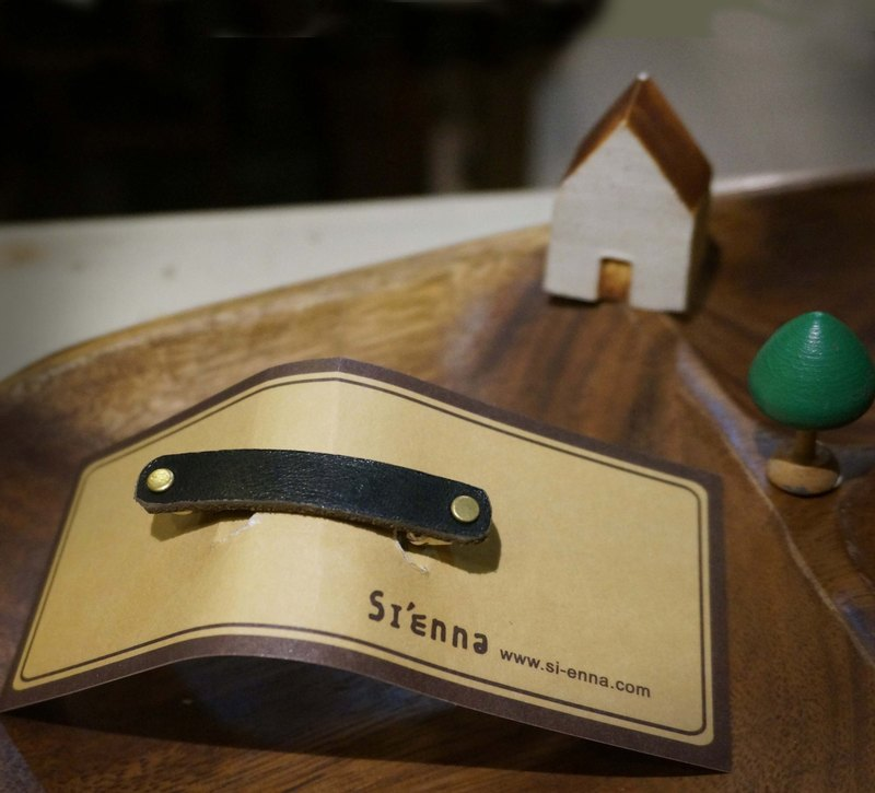 Sienna leather hairpin