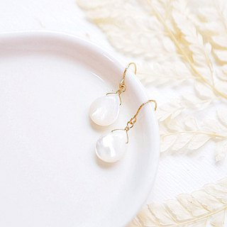 Top glazed light sense deep sea white butterfly shell drop 14K earrings pure white non-staining shell gloss
