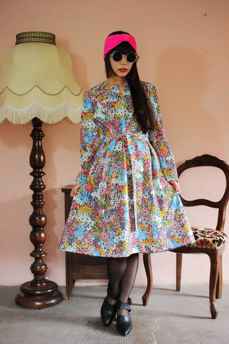 F1182 (Vintage) color flowers long-sleeved vintage dress (wedding / picnic / party)