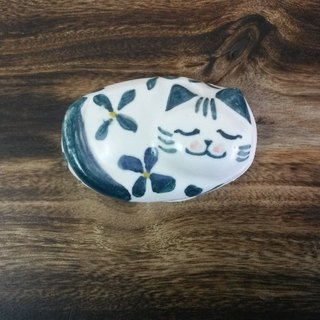 Ceramic cat chopsticks holder