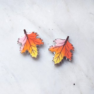 Rainbow Maple Leaf Handmade Earrings Red Maple Anti-Auricular Acupuncture Painless Ear Clips