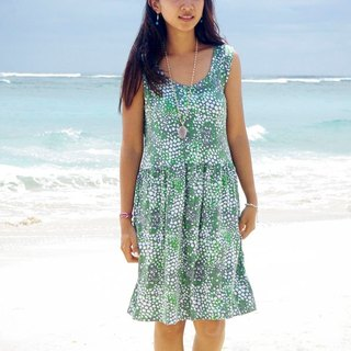 Bubble print sleeveless dress that was made with the image of the sea foam <Green>