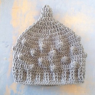 Dots pompom LL australia pixie  kobito gnome beanie natural nature unique grey gray mountain hiking picnic  marine ocean beach shopping couple