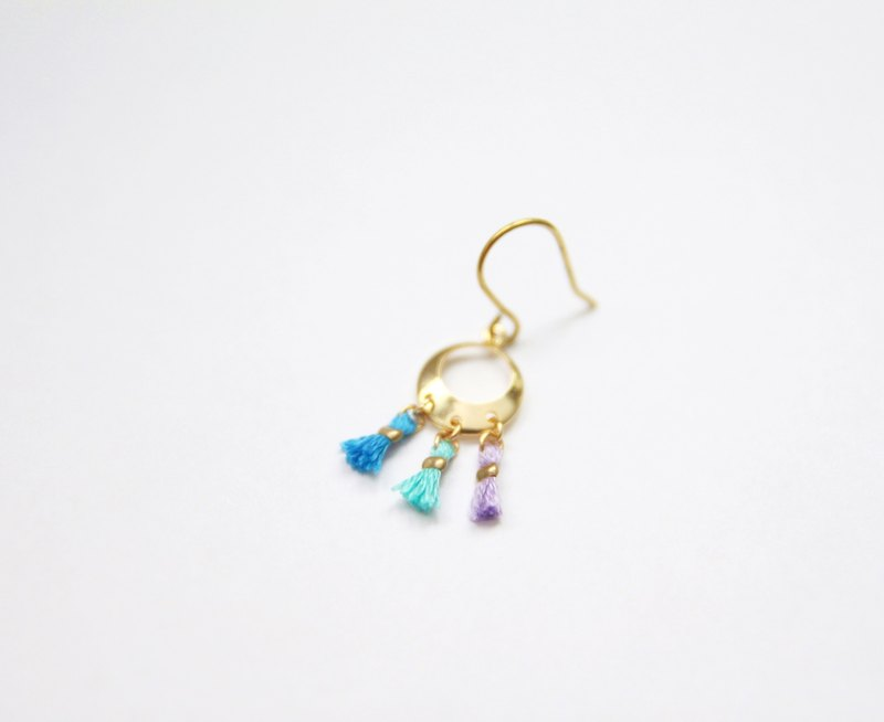 Tricolor small tassel Dreamcatcher / gold earrings (single pieces) / Tiffany blue, blue, lavender