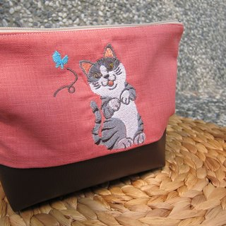 Gray witty cat kitten embroidery makeup package (can be embroidered in English name please note)