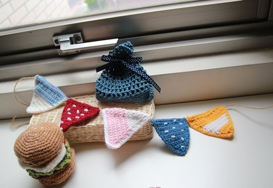 Amigurumi crochet doll: Woolen Triangle flag x 6