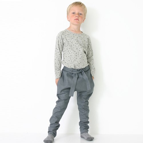 Nordic design] [moi organic cotton clothing crossing duck gray bandage denim trousers Raven Print