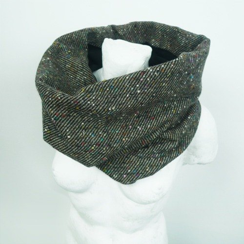 : Urb. 【Double-sided two-color ring scarf】 Dark brown point / men and women are scarves