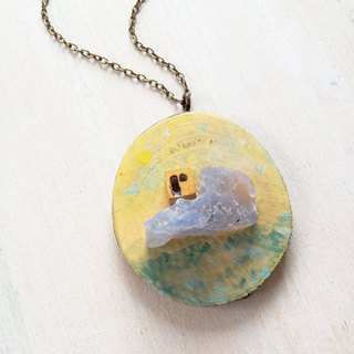 Moriyama cabin | heart painted | Wood | Natural stone | Crystal | Blue Chalcedony | Necklace | Christmas | Gifts