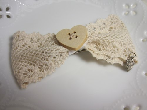 Hand-made lace hairpin
