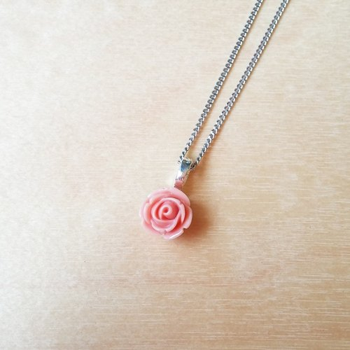 Little pink roses sweet simple short necklace