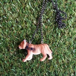 SCARF wearing tiger necklace