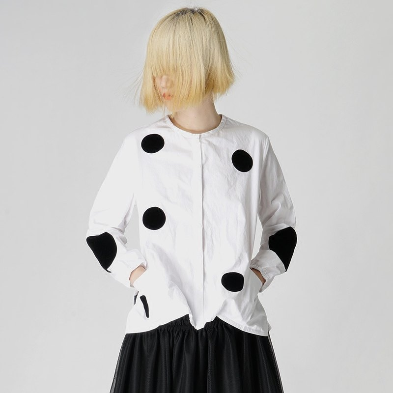 Black dot long-sleeved blouse two colors optional - imakokoni