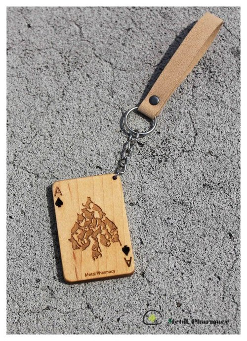 Cats playing cards - spades (maple)