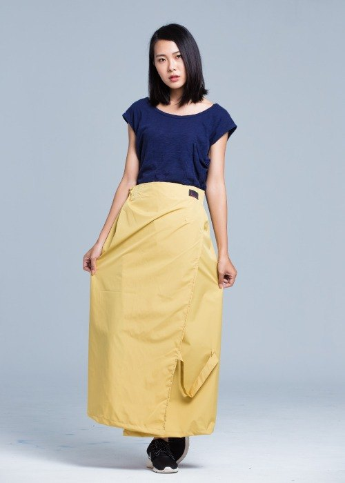 Paris elegant simplicity a rainbow skirt / sun / water / Gold thereof