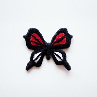 Red-banded butterfly butterfly hand-embroidered brooch