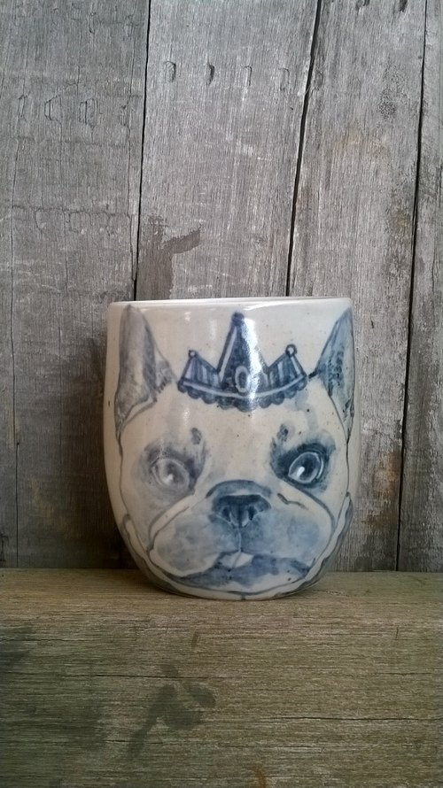 Painted blue and white porcelain hand grip ˙ ˙ dog king Cup
