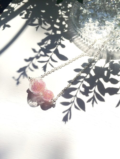 * Haku‧Neko * pink glass hoist mini capsules of crystal beads necklace (clavicle chain)