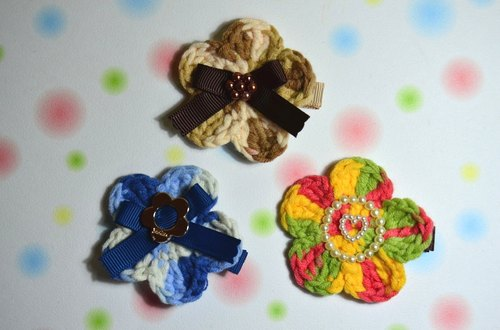 Knitting flower small clip