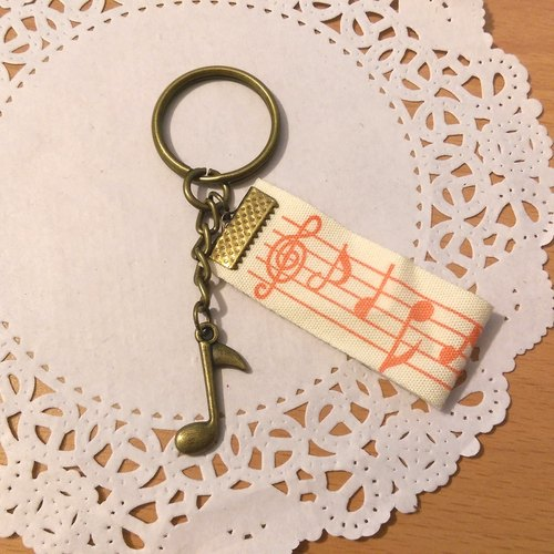 "【Eighth note ribbon key ring (bronze)】 music instrument notes ribbon hand-made custom-made ""Misi bear"" graduation gift"