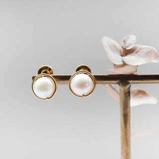 【Pearl】classic earring (Customizable clip-on)